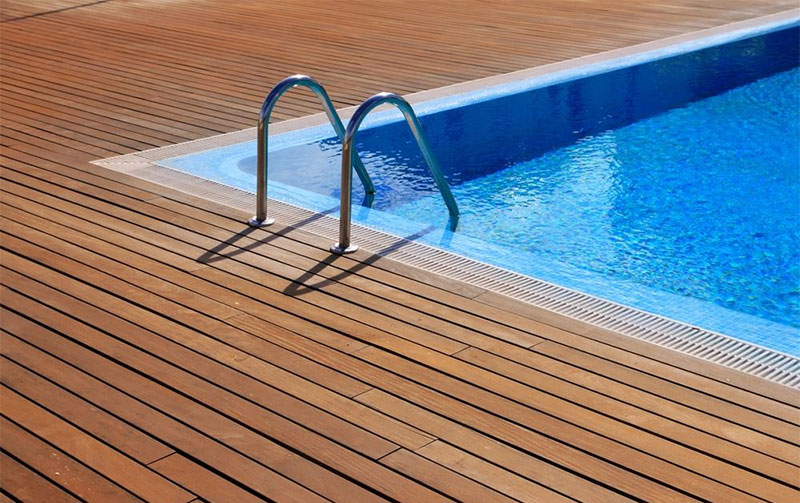 Decking or paving pool