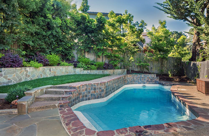 Tips For Landscaping Around Your Fibreglass Pool